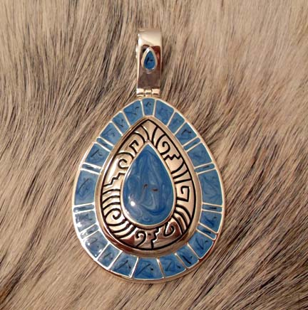 Magnetic Pendant Silver Blue Tear Drop