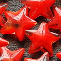 14 Glass STAR Beads SWIRLY RED 15mm