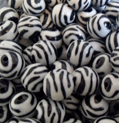 16mm Ball Black and White  Zebra Acrylic Beads