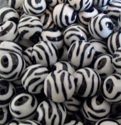 16mm Ball Black and White  Zebra Acrylic Beads